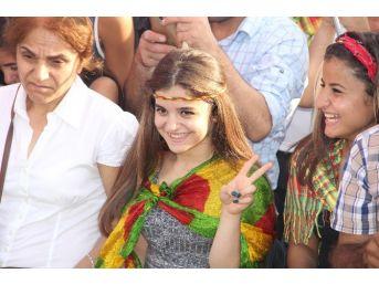 Hdp Eş Genel Başkanı Selahattin Demirtaş: