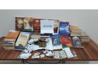 Kayseri'de Fetö'ye Ait 73 Adet Kitap İle Uyuşturucu Ele Geçirildi
