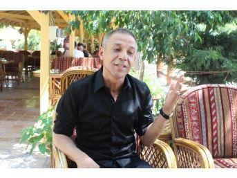 (özel Haber) Sanatçı Yıldızdoğan Türk Askerine Moral İçin Saçlarını Kesti