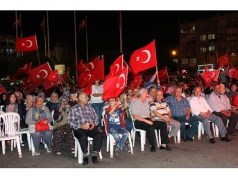 Akhisar'da Demokrasi Nöbeti 14. Gününde