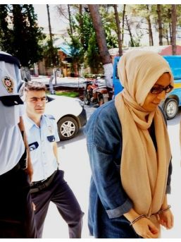 Gözaltına Alınan Gazeteci Hanım Büşra Erdal, İstanbul'a Gönderildi