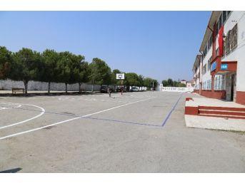 Turgutlu Belediyesi Okulları Güzelleştiriyor