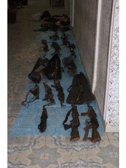 Nusaybin'de Terör Örgütüne Ait Cephane Ve Terörist Cesetleri Bulundu