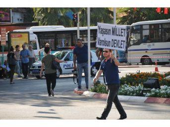 Tarsus'ta Fetö'yü Andıran Cansız Manken Yakarak Protesto Etti