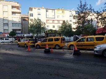 Taksicilerin Kavgasında Kan Aktı: 3 Yaralı
