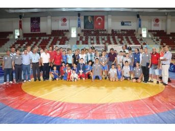 Yalova'da Güreş Şöleni
