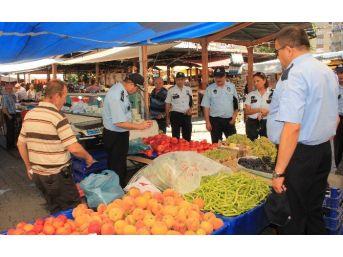 Devrek İki Pazarcı Esnafının Tezgahı Kapatıldı