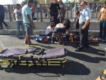 Kuşadası'nda Yeni Köprülü Kavşakta Kaza, 2 Yaralı