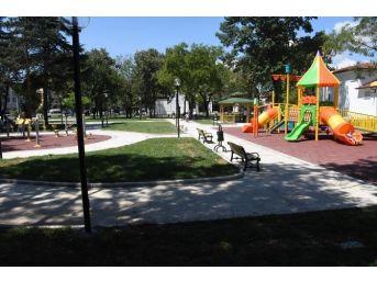 Engelsiz Parka Oyun Araçları Yerleştirildi