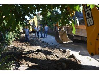 Yol Açma Çalışması Kiremitocağı Mahallesinde Devam Ediyor