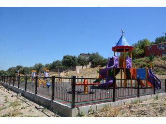 Şehzadeler'de Çocuklar Parklarda Güvenle Oynayacak
