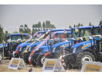 Yeni Traktörler Görücüye Çıktı