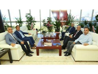 Başkan Genç'ten Rektör Bilgiç'e Ziyaret