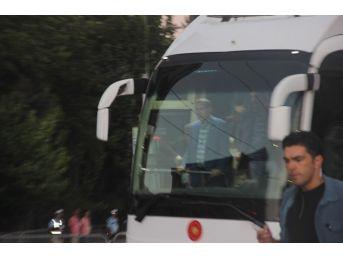 Cumhurbaşkanı Erdoğan, Bombalı Terör Saldırısında Yaralananları Ziyaret Etti