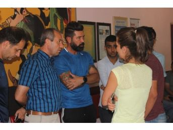 Kayserispor'dan Trafik Kazası Geçiren Genç Taraftarın Ailesine Anlamlı Ziyaret