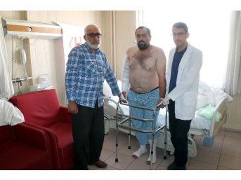 Trafik Kazasında Kemikleri Kırıldı, Ameliyatla Ayağa Kalktı