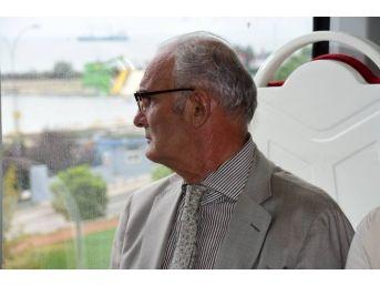 Başkan Yılmaz, Tramvayda Samsunlulara Yol Arkadaşlığı Yaptı