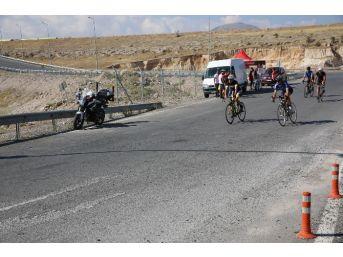 Yüzlerce Bisikletçi Kayseri'de Buluştu