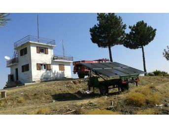 Gediz'de Orman Gözetleme Kulelerine Mobil Güneş Enerji Paneli