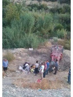 Mut'ta Taktak Motoru Uçuruma Yuvarlandı: 6 Yaralı
