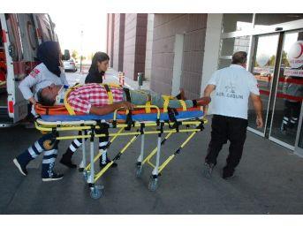 Otomobille Bisiklet Çarpıştı: 1 Yaralı
