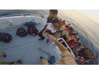 Denizde 58 Göçmen Yakalandı
