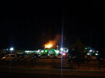 Söke'de Düğün Salonunda Atılan Havai Fişek Yangın Çıkardı