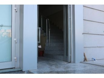 Fetö'den Kapatılan Dershanenin Mührünü Kırıp, Binayı Soydular