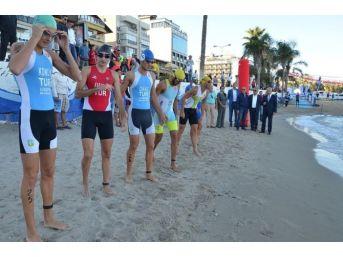 Türkiye Triatlon Şampiyonası Finali Kuşadası'nda Yapıldı