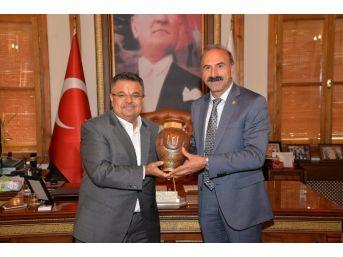 Ak Partili Milletvekili Alim Tunç'tan Başkan Selim Yağcı'ya Taziye Ziyareti