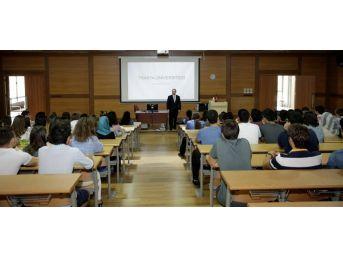 Tü'de İlk Ders Rektör Prof. Dr. Tabakoğlu'ndan