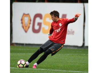 Galatasaray'da Beşiktaş Mesaisi Sürüyor