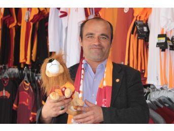 Galatasaray Gezici Mağazası İlgi Görüyor