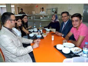 Rektör Yardımcısı Akpolat Öğrenci Yemekhanelerini Gezdi