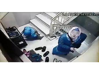 Ayakkabıların İçinde Anahtar Aradılar, Güvenlik Kamerasını Görünce Kaçtılar