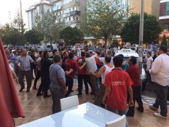 Çerkezköy'de Taşlı Sopalı Kavga: 3 Yaralı