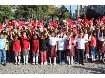 Uşak'ta Yeni Eğitim Öğretim Yılı Törenle Başladı