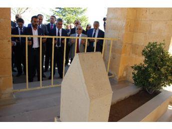 Yunus Emre Aksaray'daki Anıt Mezarı Başında Anıldı