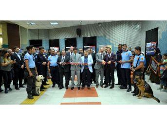 Ankara İtfaiyesi'nin Çalışmaları Kızılay Metro İstasyonu Sanat Galerisi'nde Tanıtıldı
