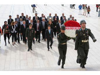 Ankaralılar Derneği, Anıtkabir'i Ziyaret Etti