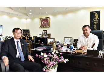 Başkan Yücel, Başkonsolos Liu'ya Alanya'yı Tanıttı