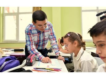 Tütüncü'den Mustafa Adıyaman Ortaokulu'na Ziyaret