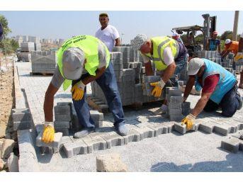 Kuşadası Belediyesi Yol Çalışmaları Devam Ediyor