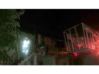 Karı-kocayı Alevlerin Arasından Komşuları Kurtardı