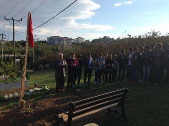 Öğrenciler Şehit Ercan Çelik'in Kabrini Ziyaret Ettiler