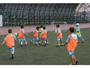 Kağıthane'de Ücretsiz Spor Okulları Kayıtları Başladı