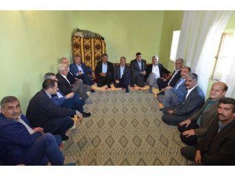 Milletvekili Şahin Ve Belediye Başkanı Polat'tan Mahalle Ziyareti