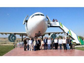 Uçak Restoran'ın Sahibi Yurdanur, Ttso'ya Adaylığını Açıkladı