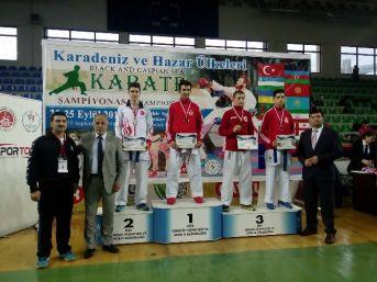 Yalovalı Karateciler Karadeniz'de Fırtına Gibi Esti