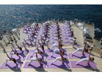 Uluslararasi İzmir Yoga Şöleni Başlıyor
